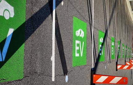 China's EV makers to incorporate battery recycling feat four
