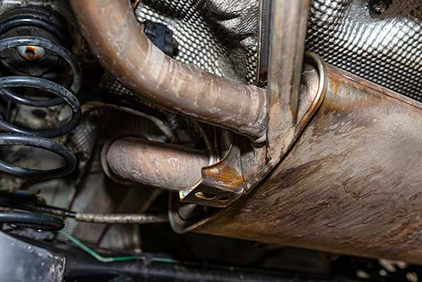 300 catalytic converters seized by Gardaí in raid in Dublin, Ireland p
