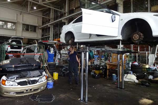 The Japanese automobile recycling system - is it a success? p one