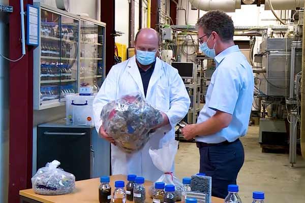 Audi - A new lease on life: recycling automotive plastics p