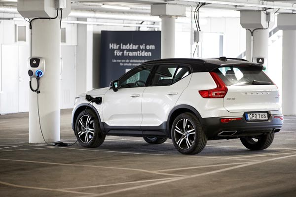 Volvo Cars to lower CO2 emissions and save billions in circular business aim p two